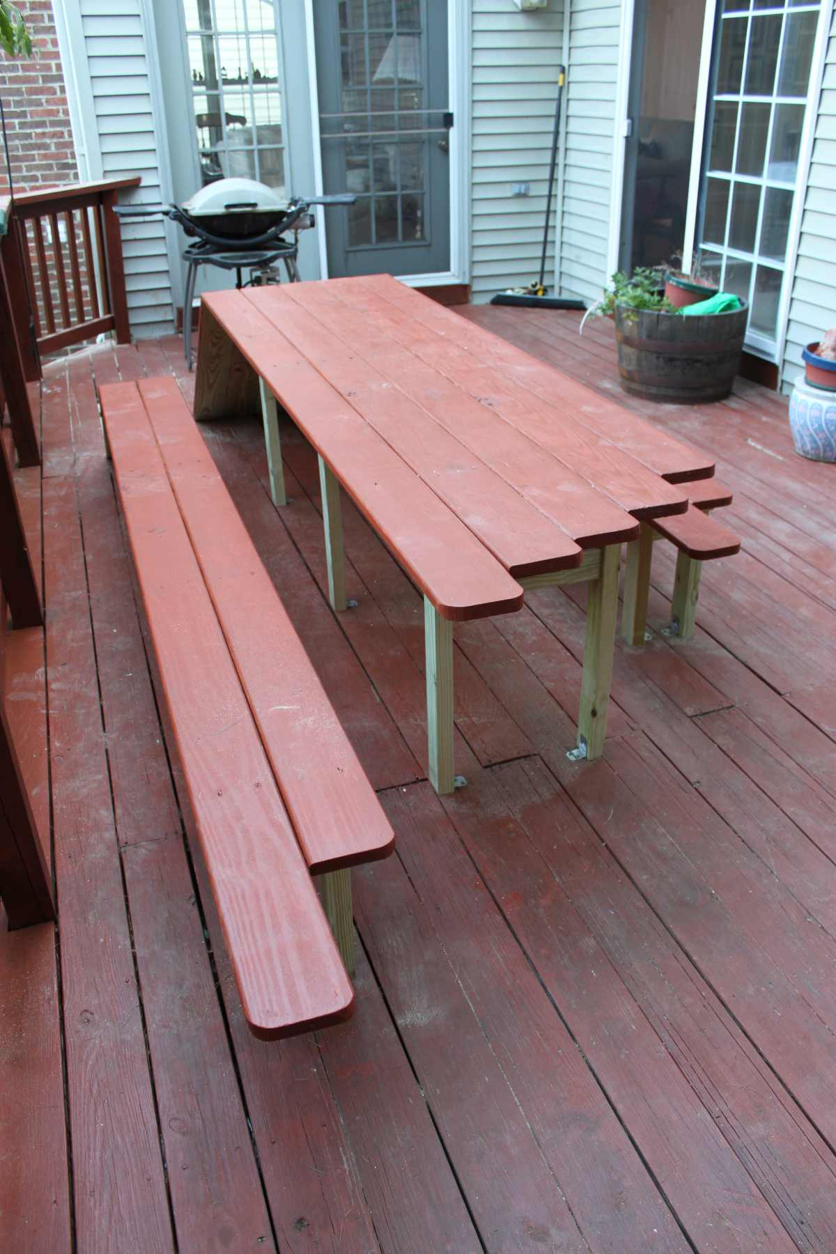 Deck Table Adam Achrati - Pentagon picnic table